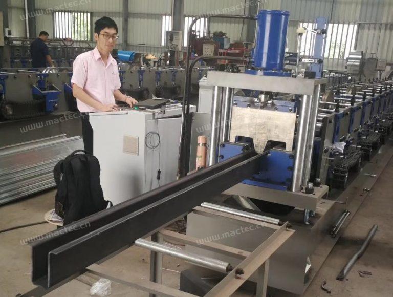 5.6.5.4 Tophat panel machine